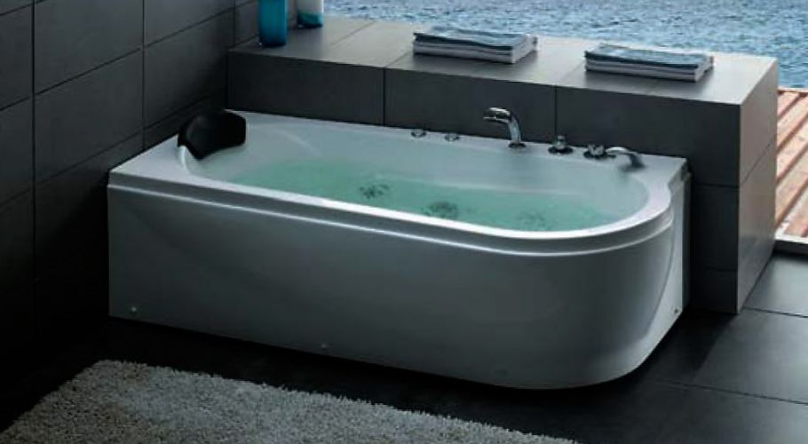 curved-white-headrest-bathtub